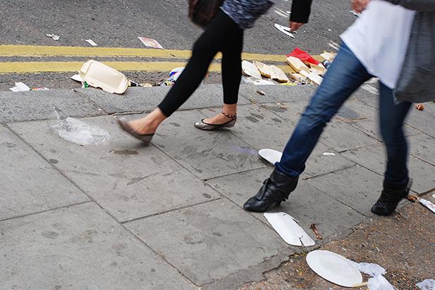 イギリスでごみのポイ捨てを46%も削減した画期的な方法とは!!