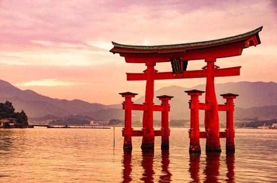 【拡散希望】世界遺産「厳島神社」に深刻な危機をもたらしている行為とは...